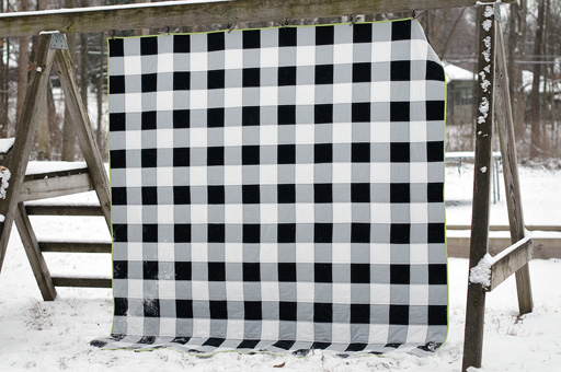 Thimbleanna: Black and White Check Quilt