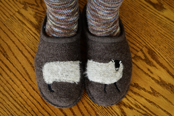 Thimbleanna: Lambie Slippers