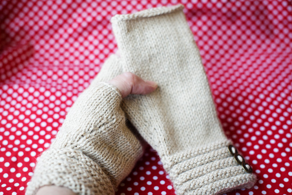 Thimbleanna: Churchmouse Mitts